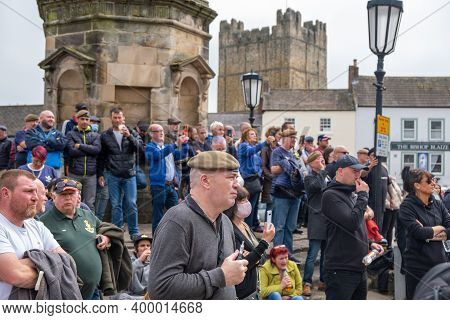Richmond, North Yorkshire, Uk - June 14, 2020: A Group Of Counter Protesters Shout Abuse At Black Li