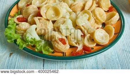 Cavolfiori Alla Pugliese - Apulian Cauliflower Puglian Pasta