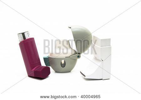 Inhaler to inhaling medicine