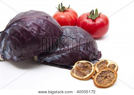 Red Cabbage with Red Tomatos