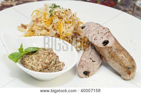 sausages with sauerkraut