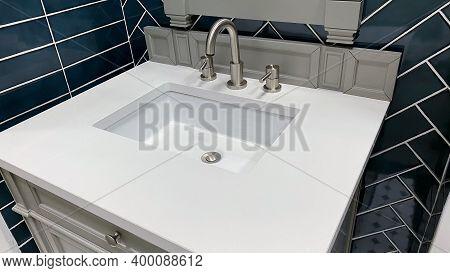 Bathroom vanity sink with look of bathroom spa or nice hotel bathroom with powerful bathroom design.