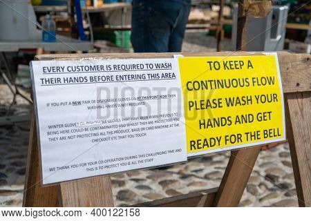 Richmond, North Yorkshire, Uk - August 1, 2020: Signs At An Outdoor Market In Richmond, North Yorksh