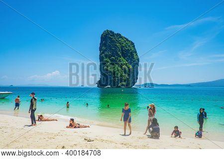 Krabi/thailand- 23 Jun 2017:beautiful Idyllic Seascape And White Sand On Koh Poda Island Krabi City