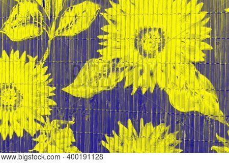 Floral-gradient-shaped Textures - Give The Image Dimensionality And Color Tone For A Soft, Weighty A