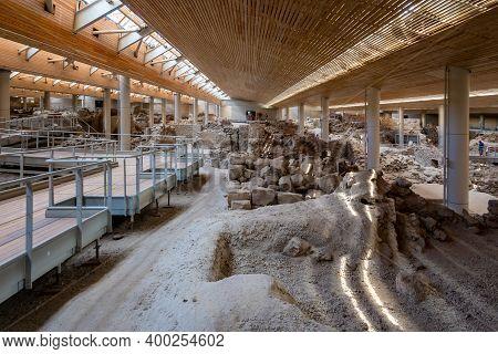 Santorini, Greece - September 18, 2020: Interior Of Prehistoric Town Of Akrotiri, One Of The Most Im