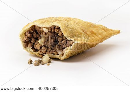 Brazilian Pastry, Fried Dough And Stuffed With Ground Meat, Potatoes And Pepper. Cuilinária Do Brasi