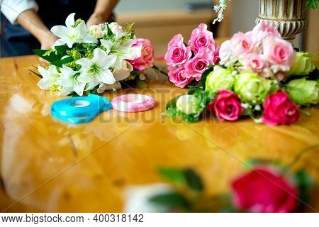 Flower Artist Working To Decorate  Artificial Flowers Decorate Oflower Artist Working To Decorate  A