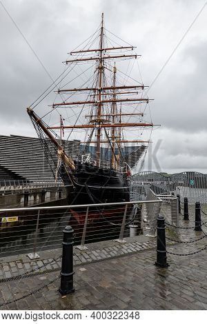 Dundee, Scotland - August 11, 2019: Discovery Point And Rrs Discovery Steamship For Antarctica Resea
