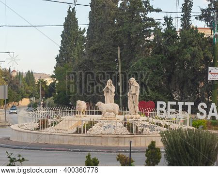 Bethlehem, Israel, December 09, 2020 : Figures Of Biblical Shepherds Installed In The Roundabout At