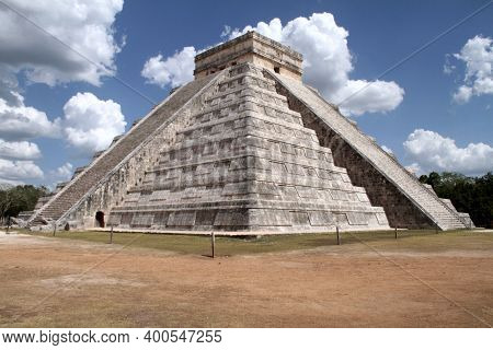 Chechen Itza. Yucatan State, Mexico. May 21, 2013 Temple Of Kukulcan (el Castillo)