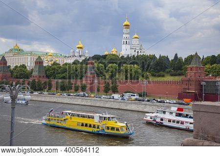 19.06.2018 Moscow. Russia. Water Walks Along The Kremlin Embankment. Pleasure Craft On The Moscow Ri