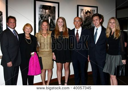 LOS ANGELES - DEC 12:  Scott Martin, Lee Bell, Maria Bell dghtr, Bill Bell, Jr., Lauralee Bell, son arrive at the 14th Annual WIN Awards at Paramount Theater on December 12, 2012 in Los Angeles, CA