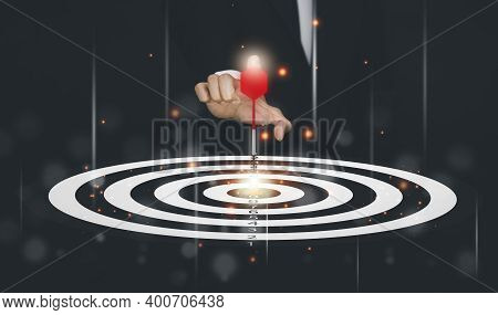 Targeting The Business Concept, Businessman Throwing Red Arrow Dart To Virtual Target Dart Board,exe