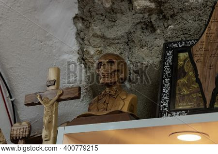 Bethlehem, Israel, December 09, 2020 : Exhibits Made Of Olive Wood In A Gift Shop In Bethlehem In Th