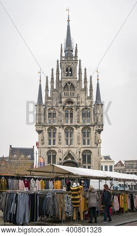 Gouda, Netherlands, November 2018 - Market Stalls In Front Of The Town Hall In The City Of Gouda, Ne