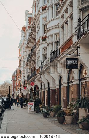 London, Uk - December 5, 2020: Row Of Shops On South Audley Street In Mayfair, An Affluent Area In T