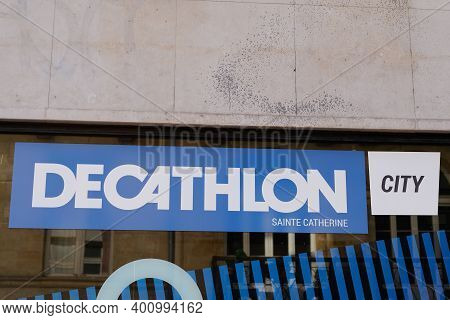Bordeaux , Aquitaine  France - 12 19 2020 : Decathlon City Sign Text And Brand Logo In Store Buildin