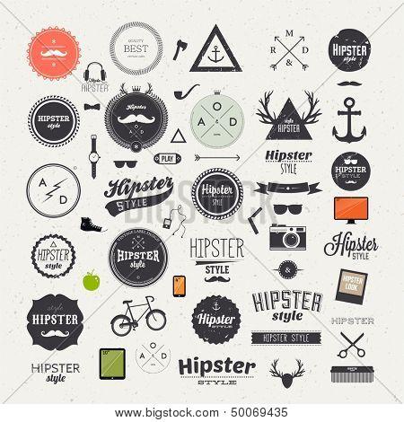 Elementos de infográficos de estilo hipster e ícones para design retro. Com a bicicleta, telefone, óculos de sol,
