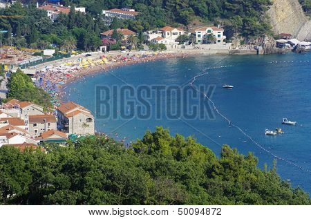 Petrovac is a popular summer beach resort, its visitors coming predominantly from Montenegro and Serbia