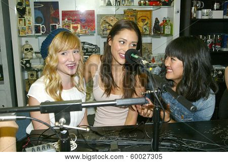 BURBANK, CA - FEBRUARY 16: Sarah Stouffer, Lindsey Morgan & Amy Okuda participate in The IntelleXual podcast at the