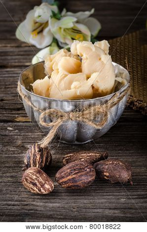 Shea Butter Amd Shea Nuts