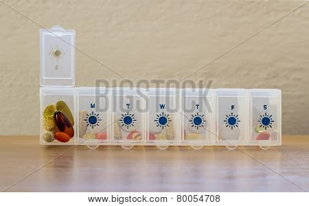 Pills organizer