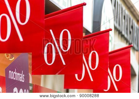 retail, price reduction percentage, symbolfoto for cheap prices, marketing and competition