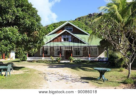 Le Chevalier Bay Guesthouse