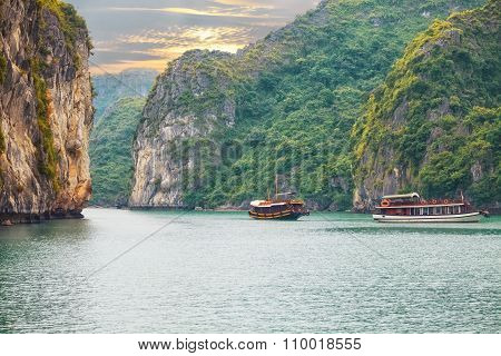 seascape sunset at Halong Bay