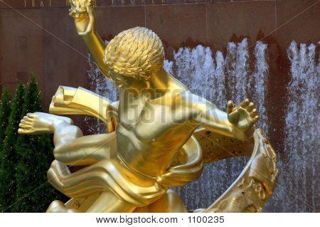 Prometheus Statue At Rockefeller Center
