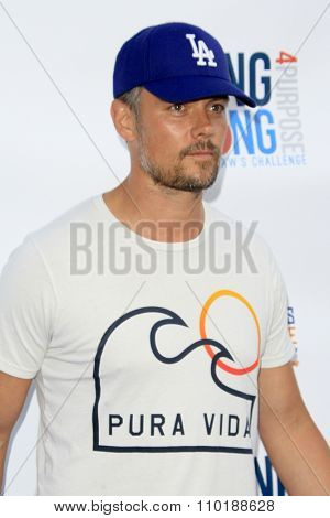 LOS ANGELES - JUL 30:  Josh Duhamel at the Clayton Kershaw's 3rd Annual Ping Pong 4 Purpose at the Dodger Stadium on July 30, 2015in Los Angeles, CA