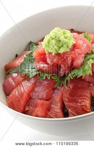japanese tuna rice bowl, vinegared rice topped with sliced raw tuna