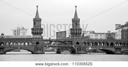 Beautiful view of famous Oberbaum Bridge