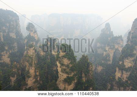 Zhangjiajie National Park ( Tian Zhi Shan ) ( Tianzi Mountain Nature Reserve ) And Fog