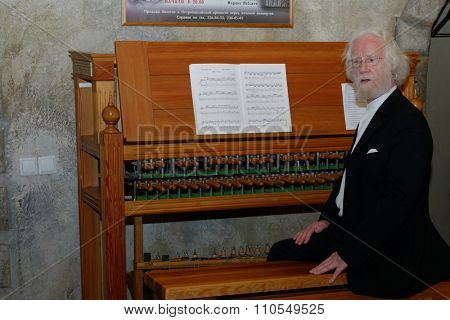ST. PETERSBURG, RUSSIA - NOVEMBER 14, 2015: Famous carillonneur, professor Jo Haazen during the meeting Bell and Carillon Art in Russia at the department of organ, harpsichord, and carillon of SPbSU