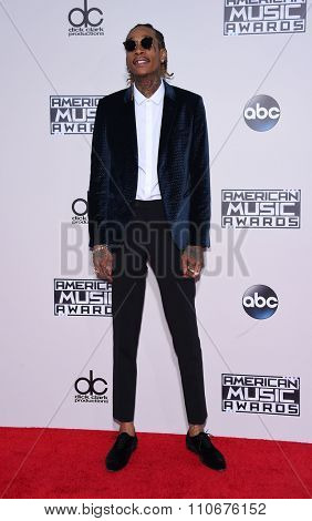 LOS ANGELES - NOV 22:  Wiz Khalifa arrives to the American Music Awards 2015  on November 22, 2015 in Los Angeles, CA.