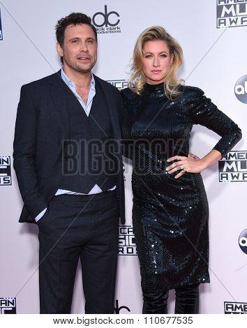 LOS ANGELES - NOV 22:  Jeremy Sisto & Addie Lane arrives to the American Music Awards 2015  on November 22, 2015 in Los Angeles, CA.