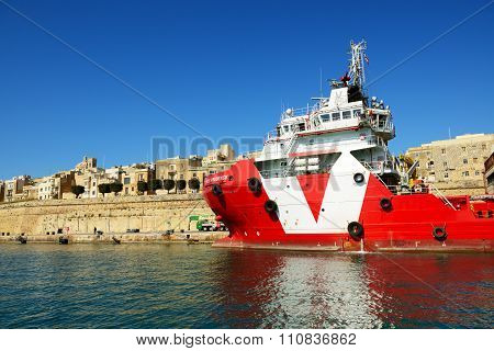 Valletta, Malta - April 22: The Vos Prudence Offshore Tug/supply Ship Is Near Pier On April 22, 2015