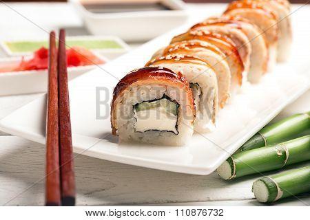 Roll Sushi Drago