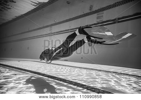 Dynamic With Fins Freediver Performance From Underwater