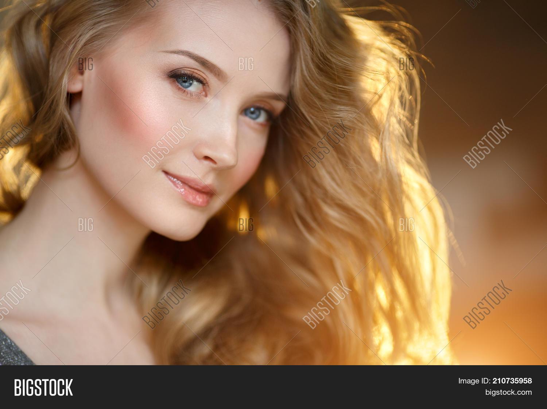 Por girls Young beautiful