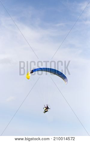 parachutist in the sky . In the park in nature