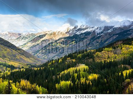 Autumn Scenery along the Million Dollar Highway in the San Juan Mountains of Colorado.