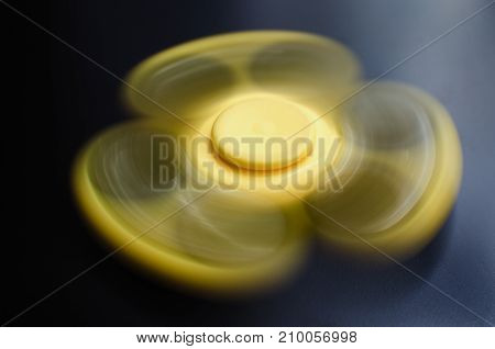 Yellow Spinner Turns