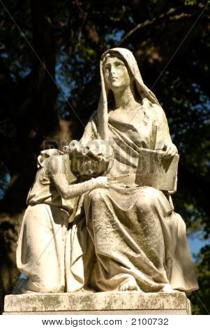 Statue Gravemarker Of A Woman And Child