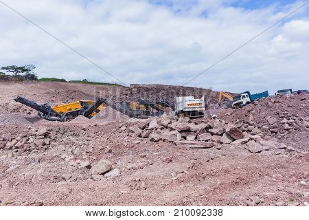 Construction Mobile Quarry Trucks Rocks