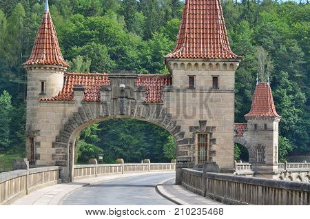 The Forest Kingdom is a reservoir dam on the River Elbe built in 1920 the Czech Republic
