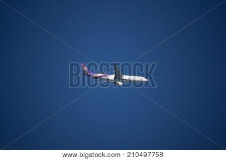 Hs-tet Airbus A330-300 Of Thaiairway Tg 613