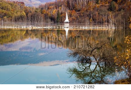 cyanide pollution at Geamana Lake near Rosia Montana, flooded village, ecological disaster